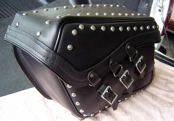 hond-valkyrie-saddlebag
